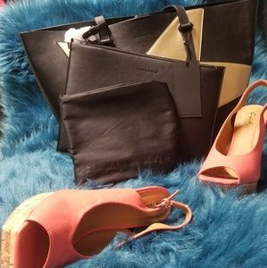 Kendall & Kylie tote with dustbag
